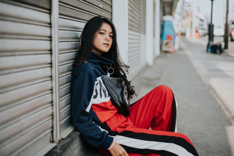Streetwear: caratteristiche dello stile del momento